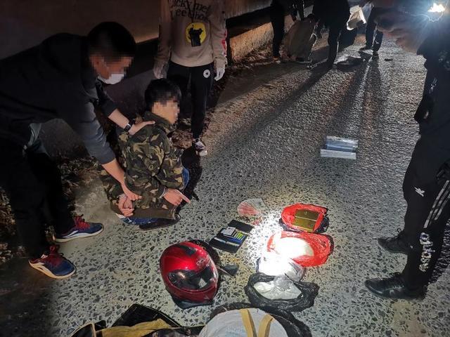 广西防城港边境派出所破获特大毒品案 缴毒2.7公斤