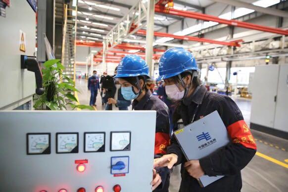 玉林市18支青年突击队为144家企业提供暖心服务