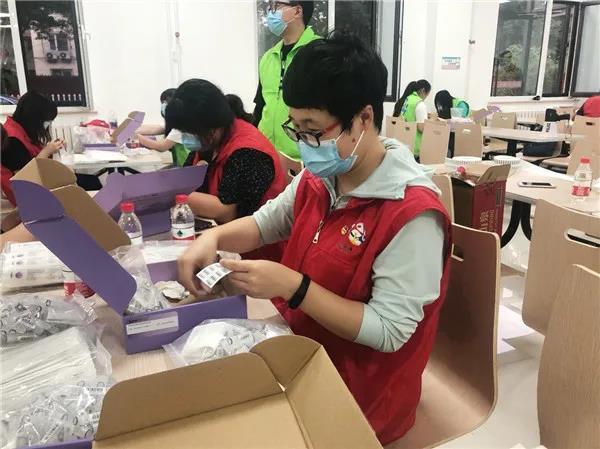 身处北京疫情高风险地,这些青年社工这样打硬仗!